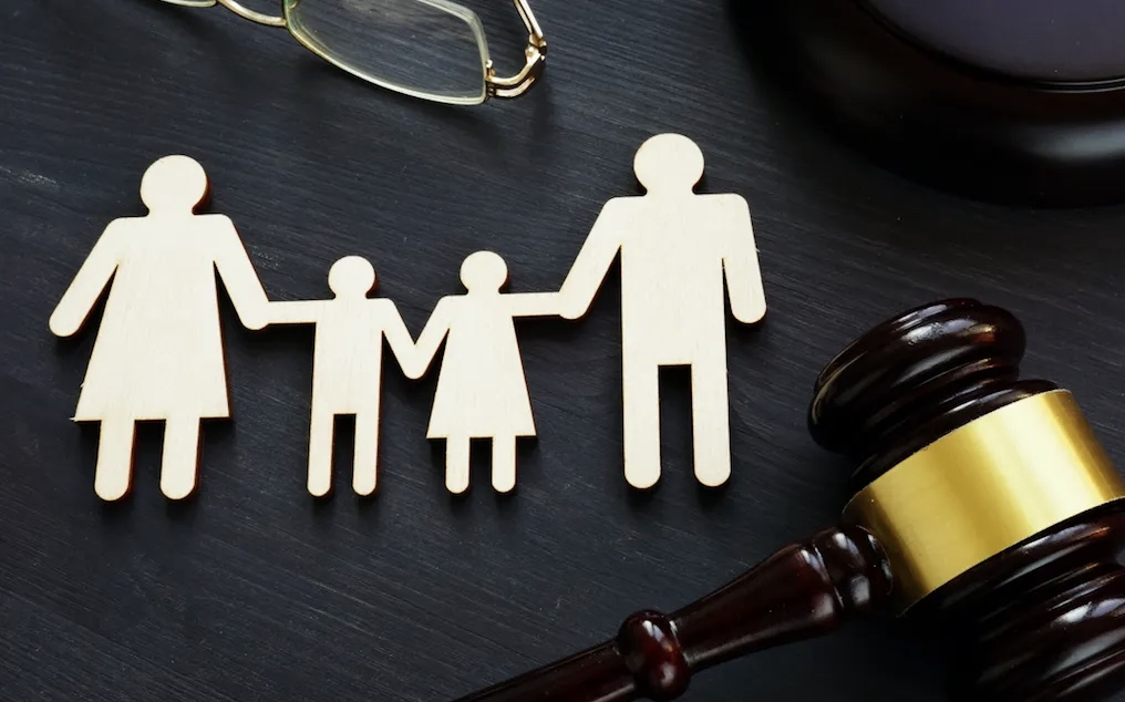 Για τη Συνεπιμέλεια και τη Γονεϊκή Αποξένωση, άρθρο του Π. Κατσικερού, Εφέτη Αθηνών